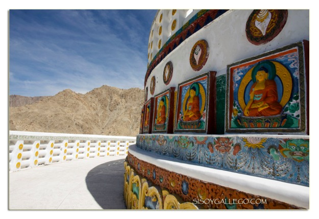 Detalle de las decoraciones de la Stupa de Leh