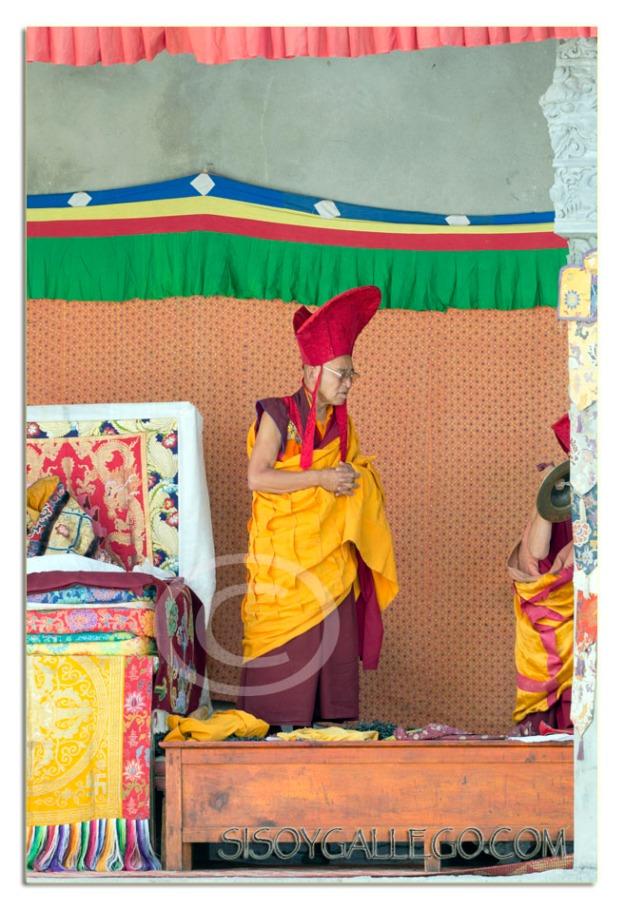 Iniciando el festival budista tibetano